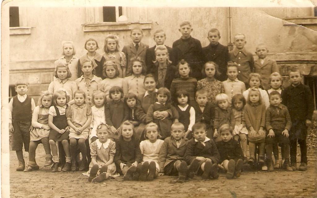 Szkoła wDomacynie (pałac) (zdj. zarch. A.Horniatki)