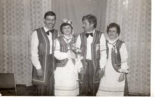 Pomorzanki lata 80 te. Odlewej R. Szostak, A. Jasińska, A. Jasiński, K. Owsiana (zdj. zarch. domowego K. Horniatki) Domacyno